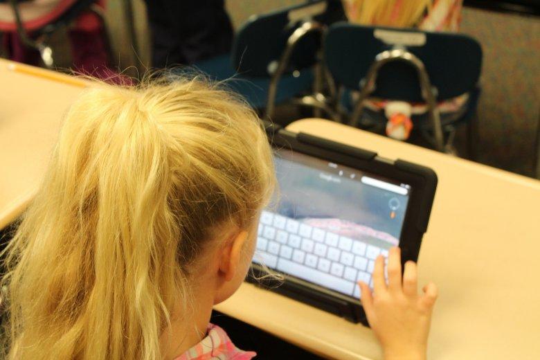 Három erdélyi megyében az összes iskolában van internet-hozzáférés