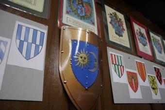 Keöpeczi nyomába lépve építenék újra a címerek világát