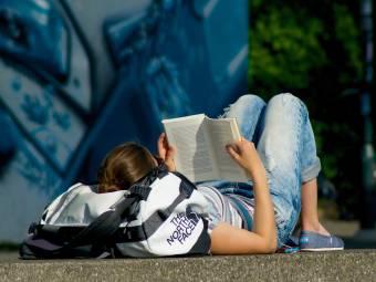 Tévhit, hogy az ifjúság nem olvas, csak épp nem a kötelezőt