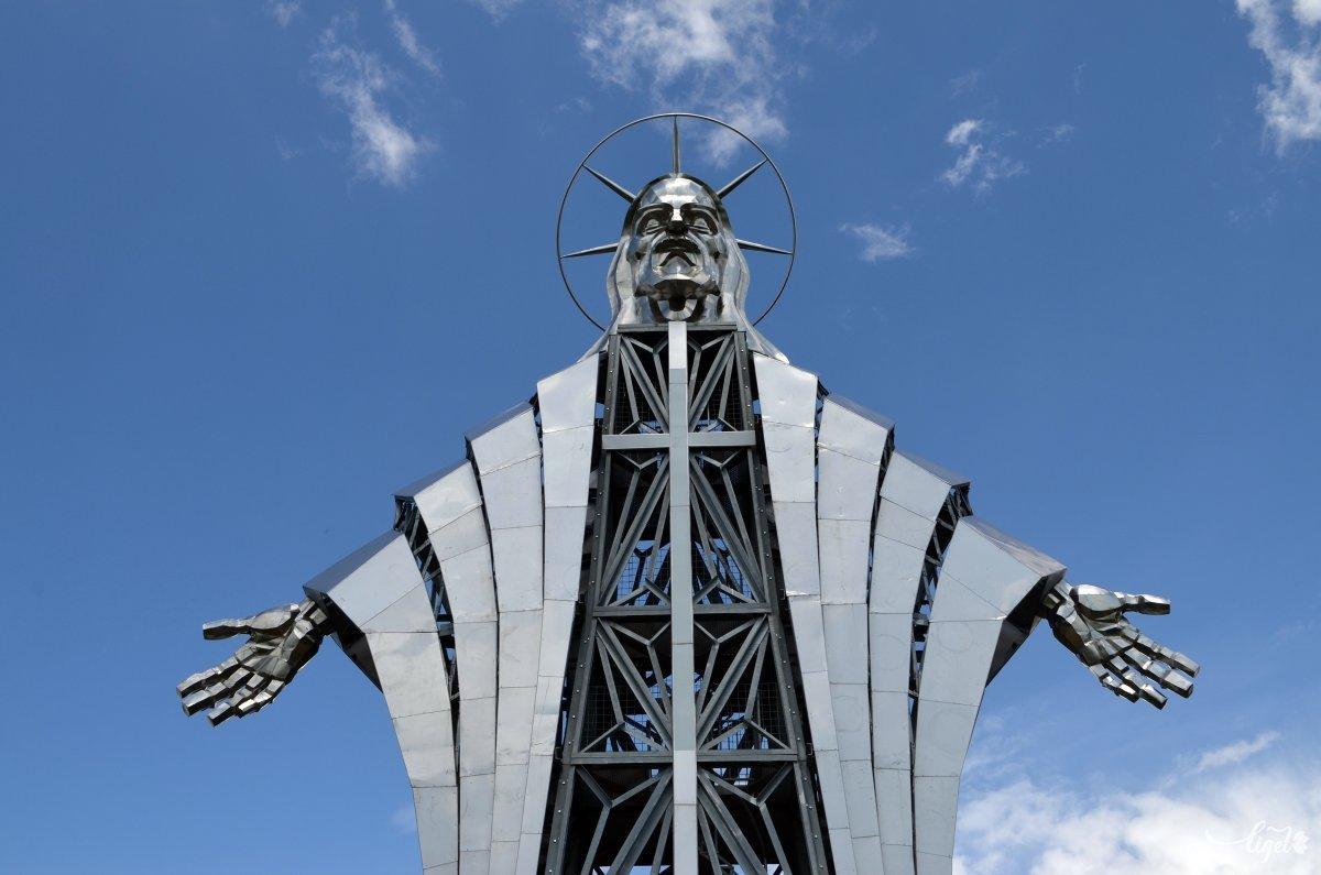 A Jézus Szíve szobor a Gordon-tetőn •  Fotó: Jánosi Csaba