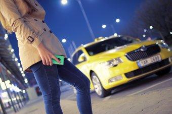 Mit tehet a nő, ha taxit hívna vb-döntő idején?