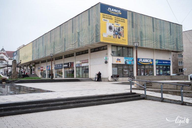 Megszűnik a nyüzsgés a városközponti áruházban