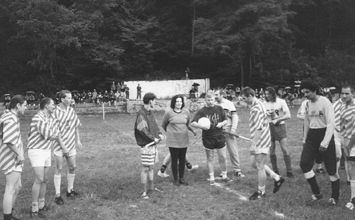 Volt idő, amikor a focipályán fociztak a tábor ideje alatt •  Fotó: Forrás: Pro Minoritate Alapítvány