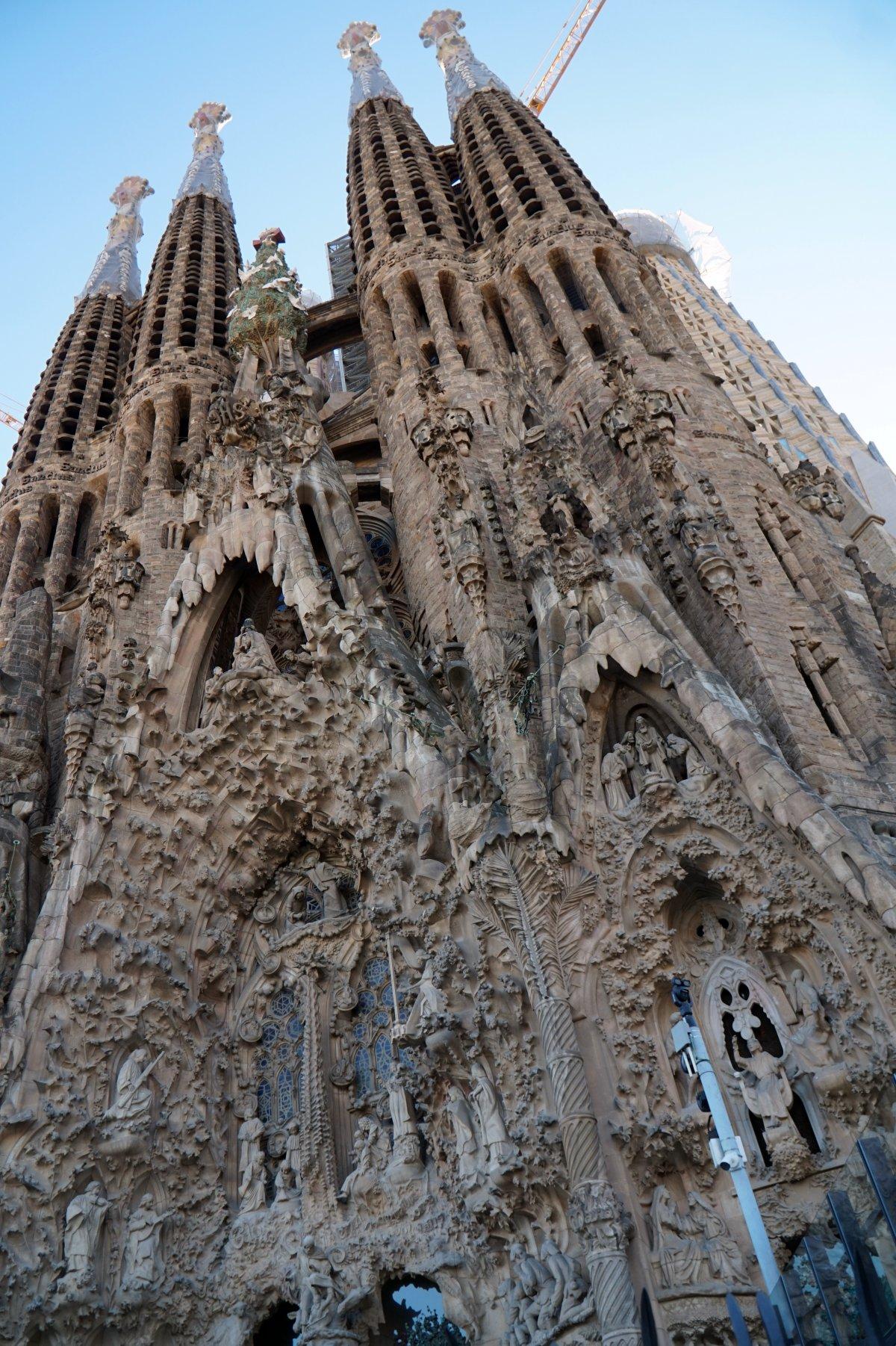 És persze a kötelező muszáj (szintén Gaudi), még egy ideig befejezetlen remekmű: a Sagrada Família •  Fotó: Deák Szidónia