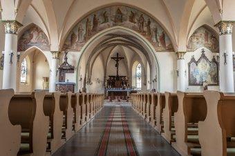 Egyelőre csak templomon kívül, nyílt téren engedélyezik az istentiszteletek, misék megtartását