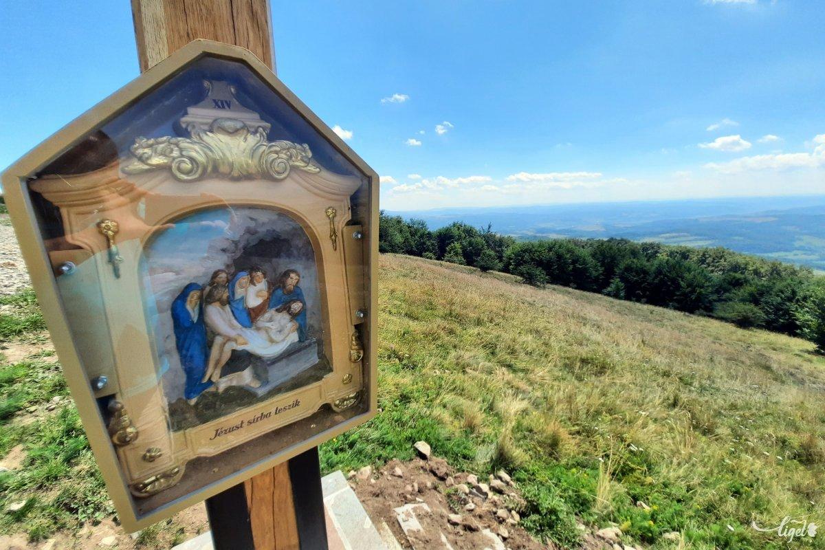 A Bekecset szent hegyüknek tekintik a nyárádmentiek •  Fotó: Rédai Attila