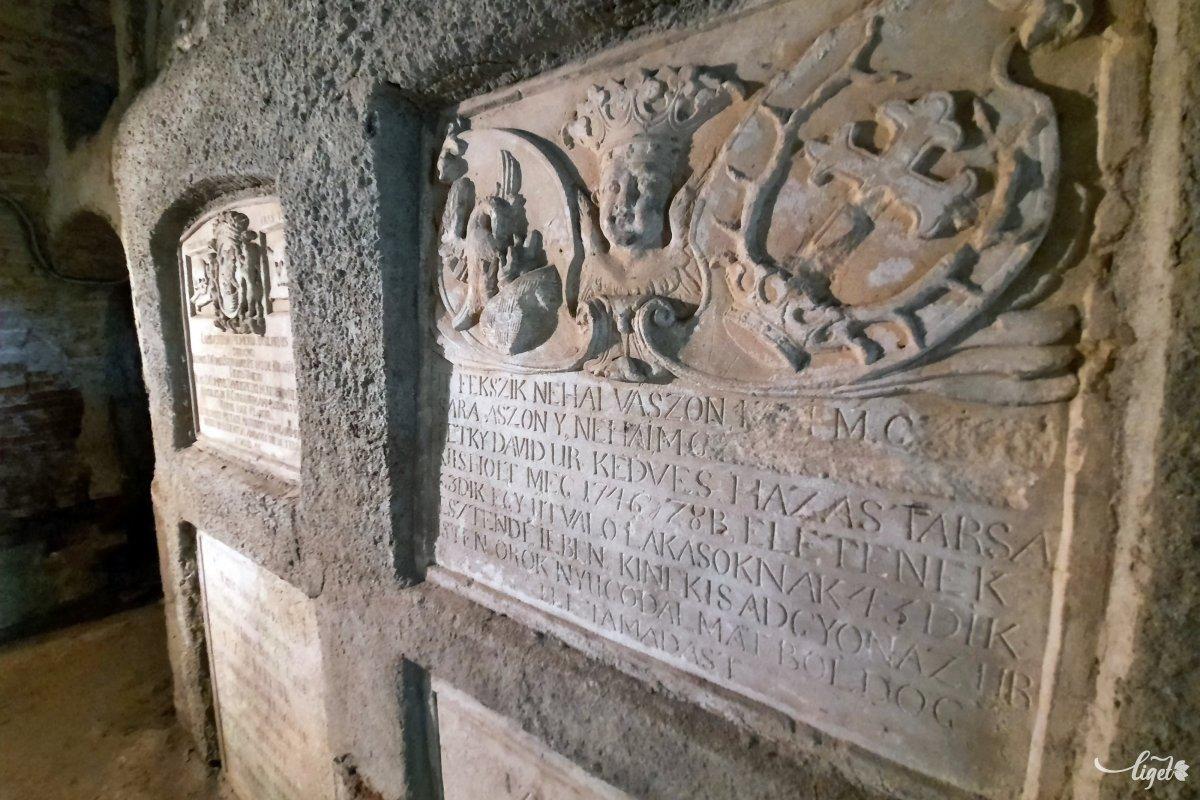 A mikházi ferences kolostor nagylelkű támogató nyerték el a jogot ahhoz, hogy itt temetkezhessenek •  Fotó: Rédai Attila