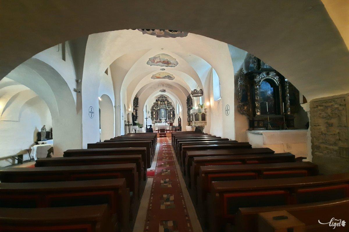 A mikházi ferences templom és kolostor a 17. századi erdélyi késő reneszánsz egyedülálló szakrális emléke •  Fotó: Rédai Attila