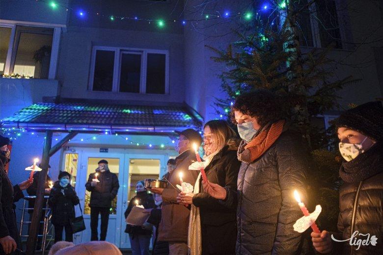 Lakóközösségi karácsony: idén is megvolt az összekovácsoló éneklés