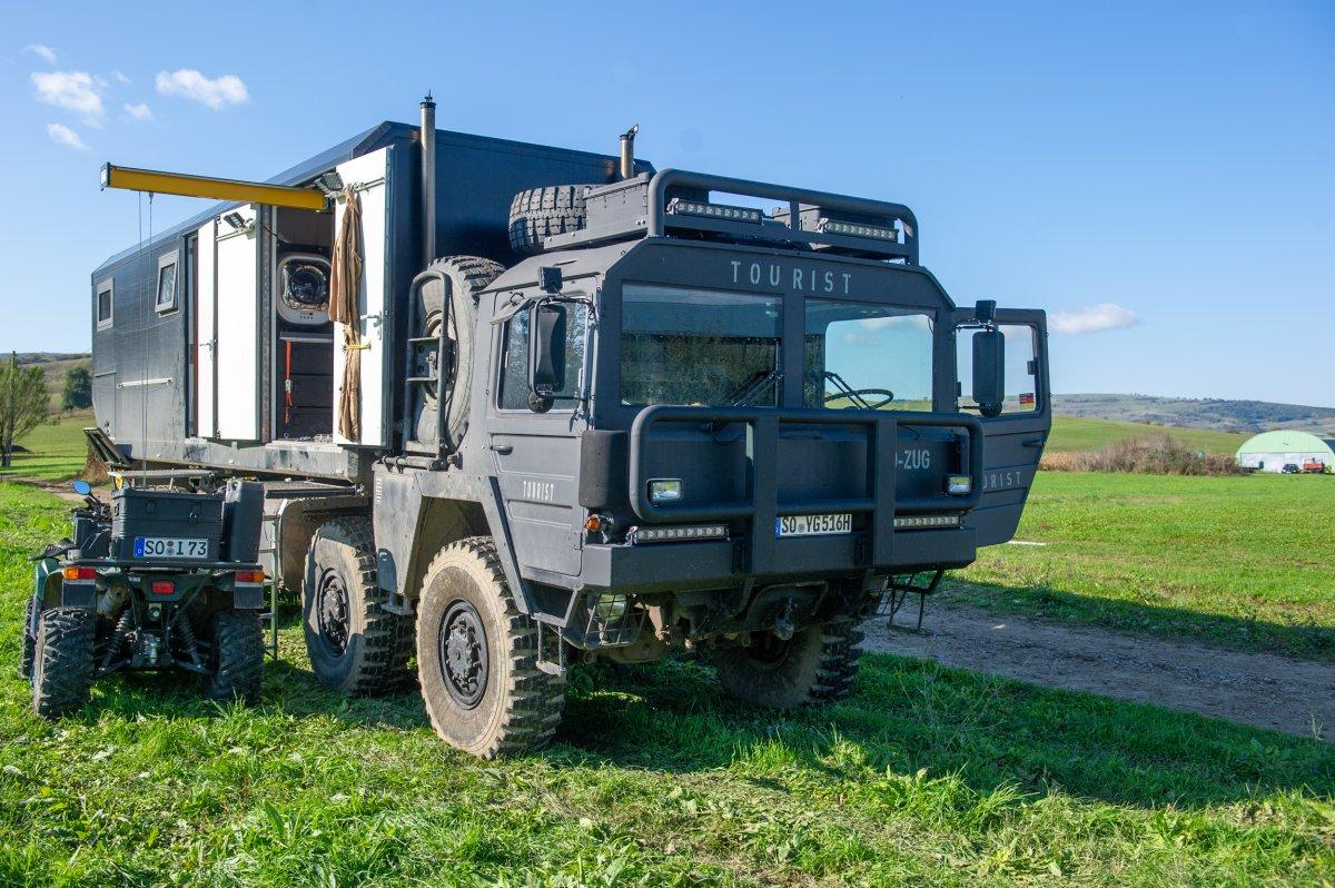 A volt katonai kamion idén Görögországig haladna •  Fotó: Beliczay László