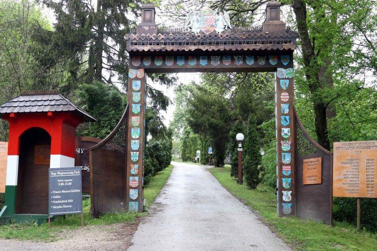 Nagy-Magyarország-park: történelmi játszótér a Bakonyban