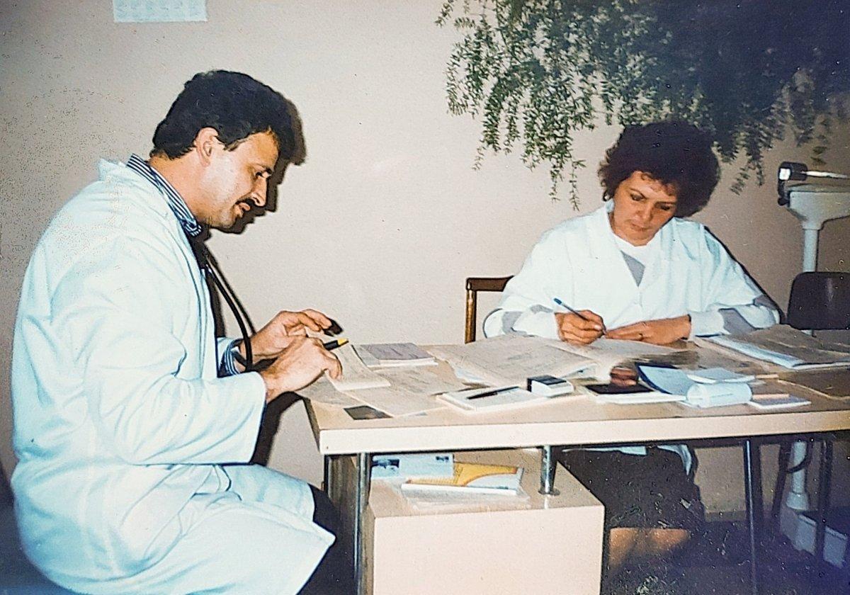 Belgyógyászati rendelő a rendelőintézetben (poliklinikán) 1995-ben •  Fotó: Forrás: Amza Éva személyes archívuma