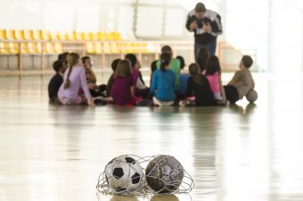 Mondjunk nemet a lélekrombolásra! Kötődő nevelés a sportban is