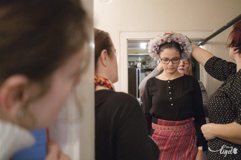Élő hagyomány Pusztinában: csírkötözés