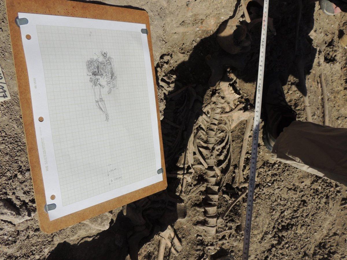 Rajz és valóság •  Fotó: Az egresi ásatási projekt fotóarchívuma
