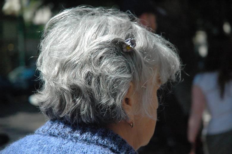 Ha egyre többször kell visszakérdezni: az időskori nagyothallás