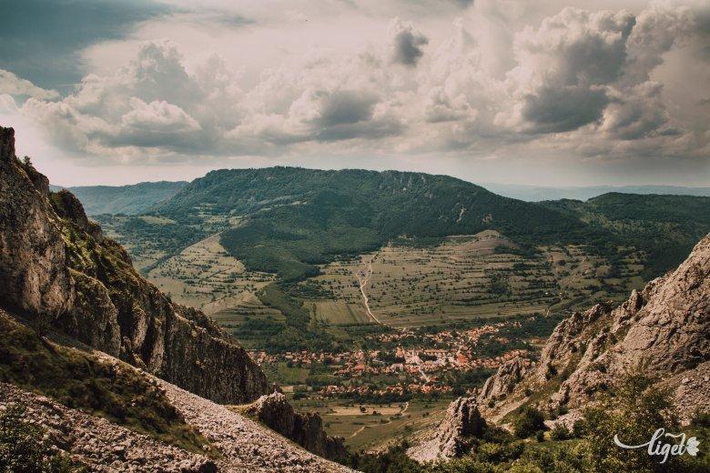 Buszra ültetnék a turistákat: közvetlen járatokat kérnek a civilek a Kolozs megyei természeti látványosságokhoz