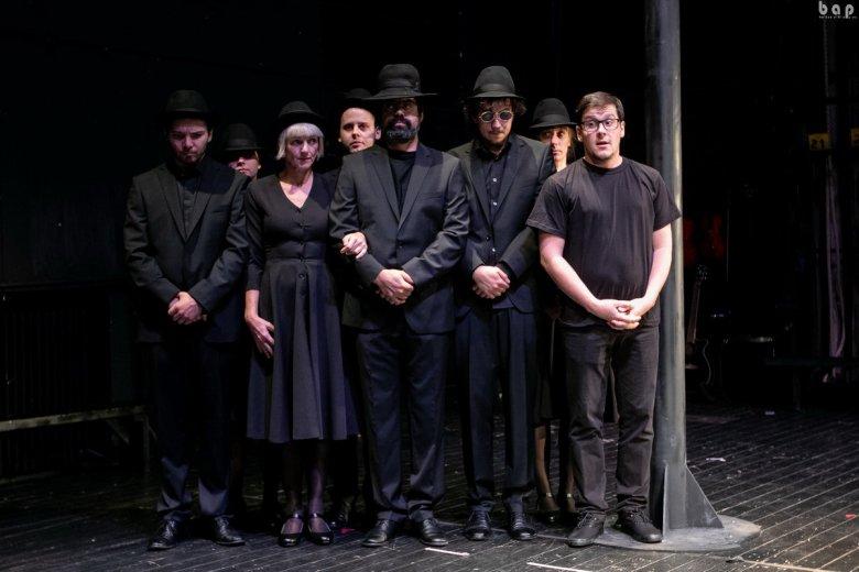 Sötétben játszódó színdarabbal készülnek a Föld napjára a székelyudvarhelyi színházban