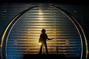 Lent és fent, akkor és most: Lenny Kravitz kolozsvári koncertjéről