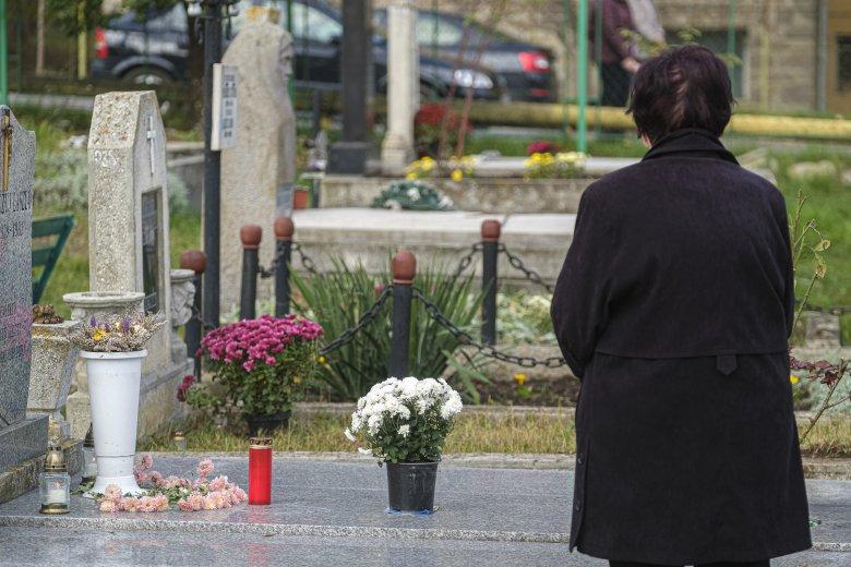 Raed Arafat: megengedőbbek lesznek a temetésekre vonatkozó szabályok