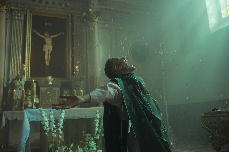 Egy lengyel film, amely bármelyik székely faluban játszódhatna: Corpus Christi