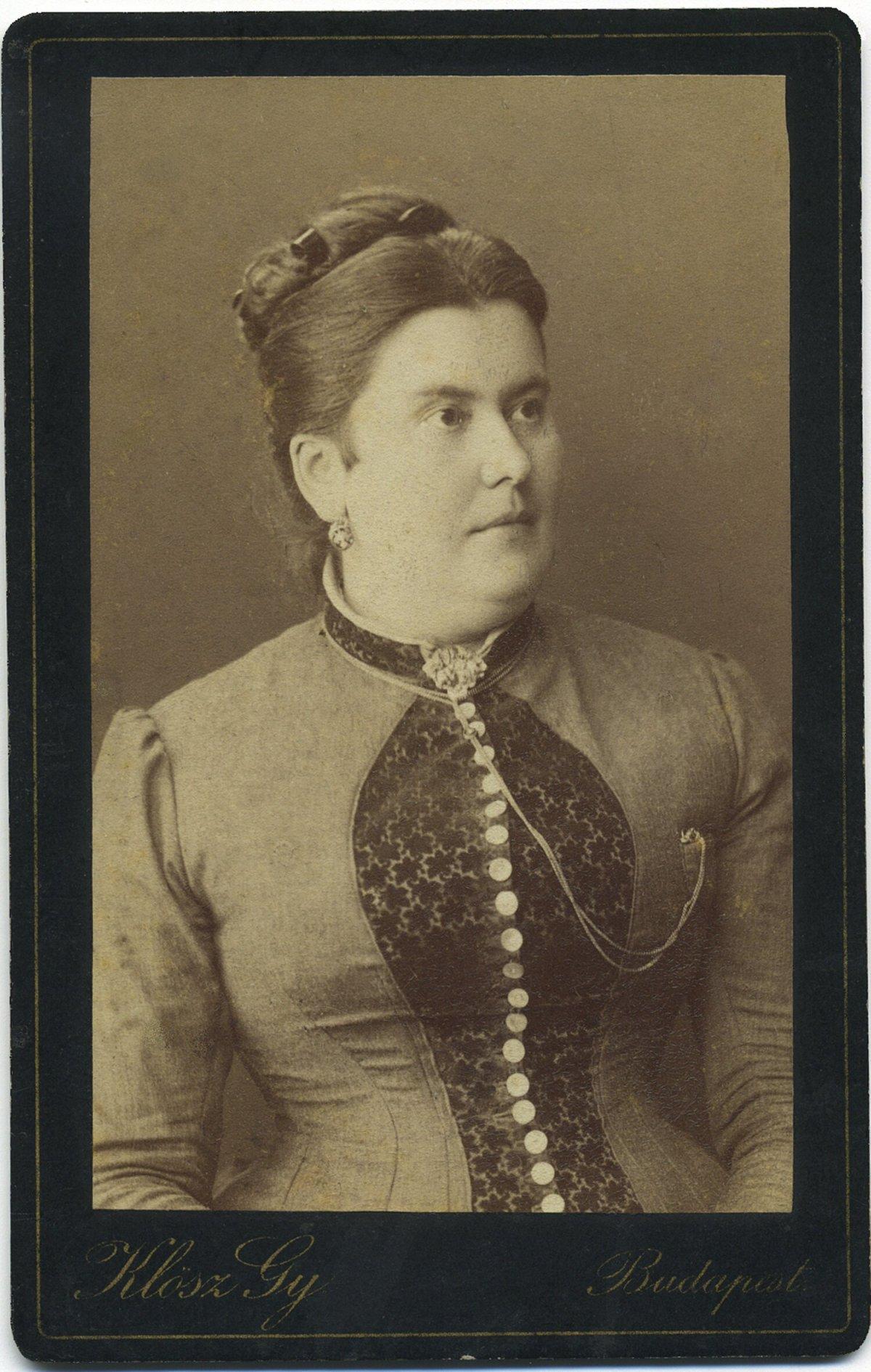 Az ükanya Solnai Mária, 1900 körül •  Fotó: Nagy Gyöngyvér személyes archívuma