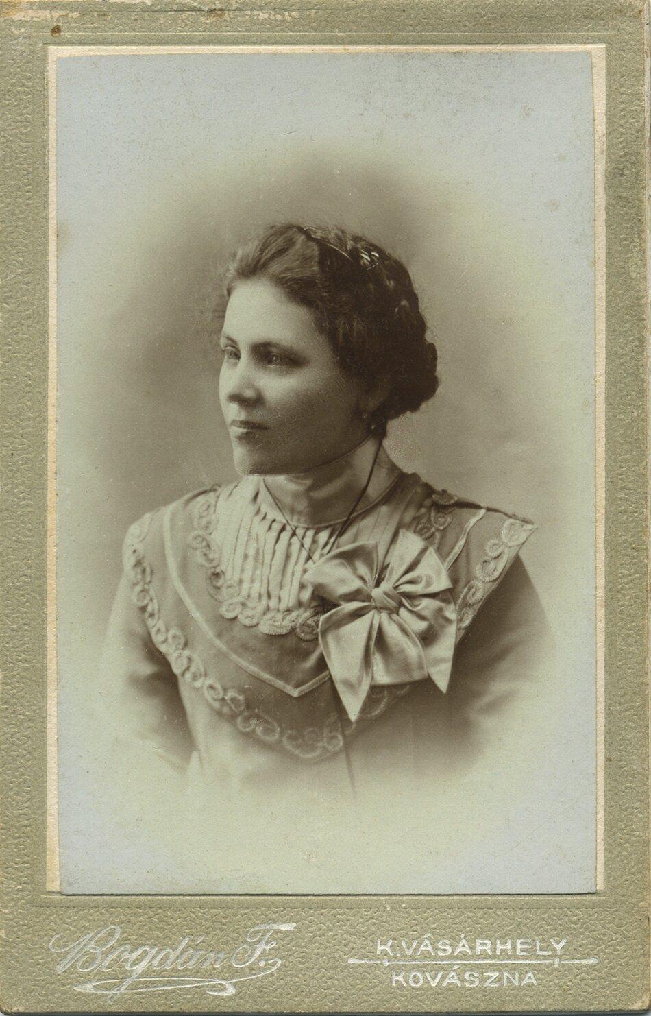 Bartalis Irén, 1900 körül •  Fotó: Nagy Gyöngyvér személyes archívuma