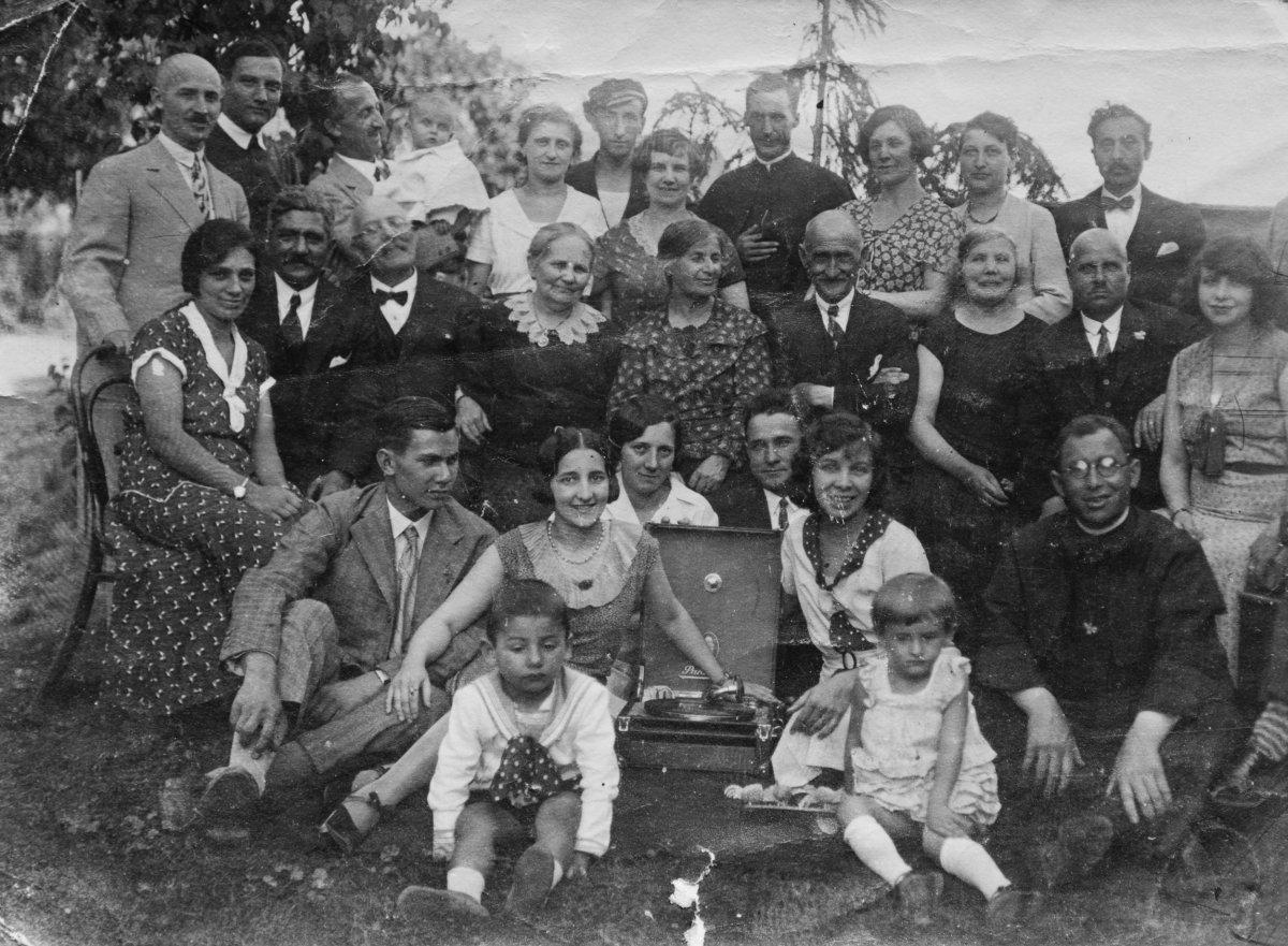 Szabó Sándor és Köllő Marcella aranylakodalma, 1931 •  Fotó: Nagy Gyöngyvér személyes archívuma