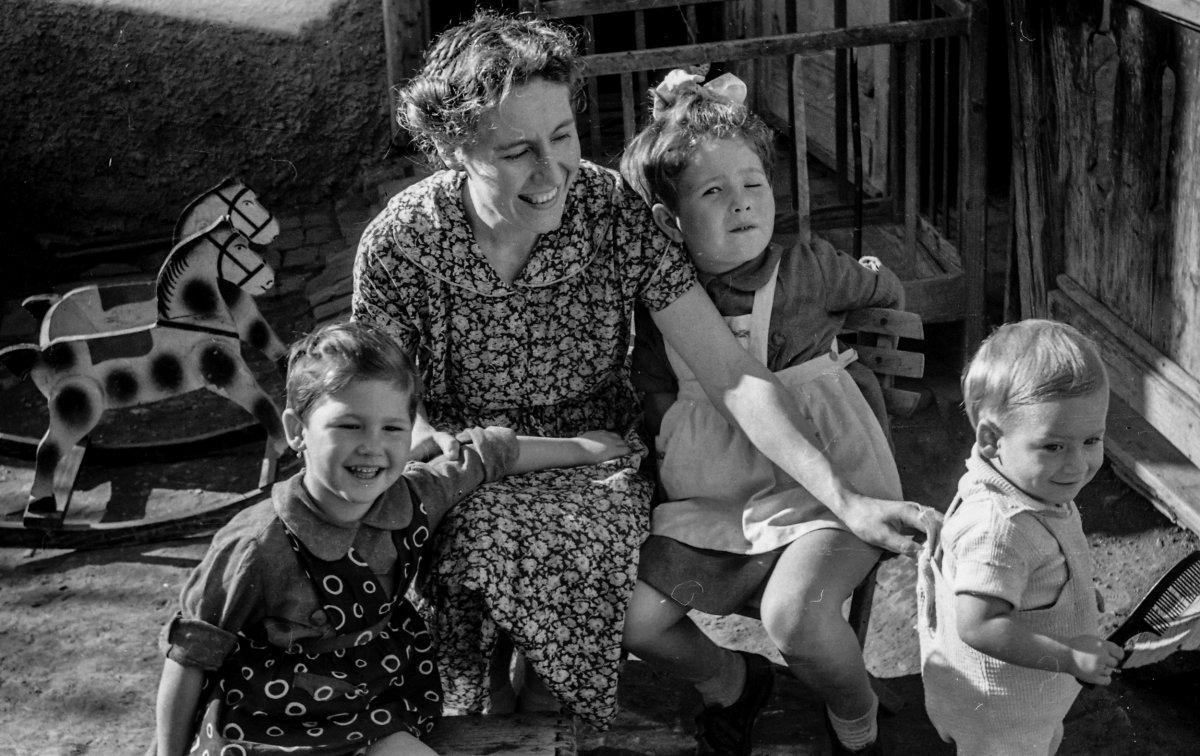 Szabó család, 1959 •  Fotó: Nagy Gyöngyvér személyes archívuma