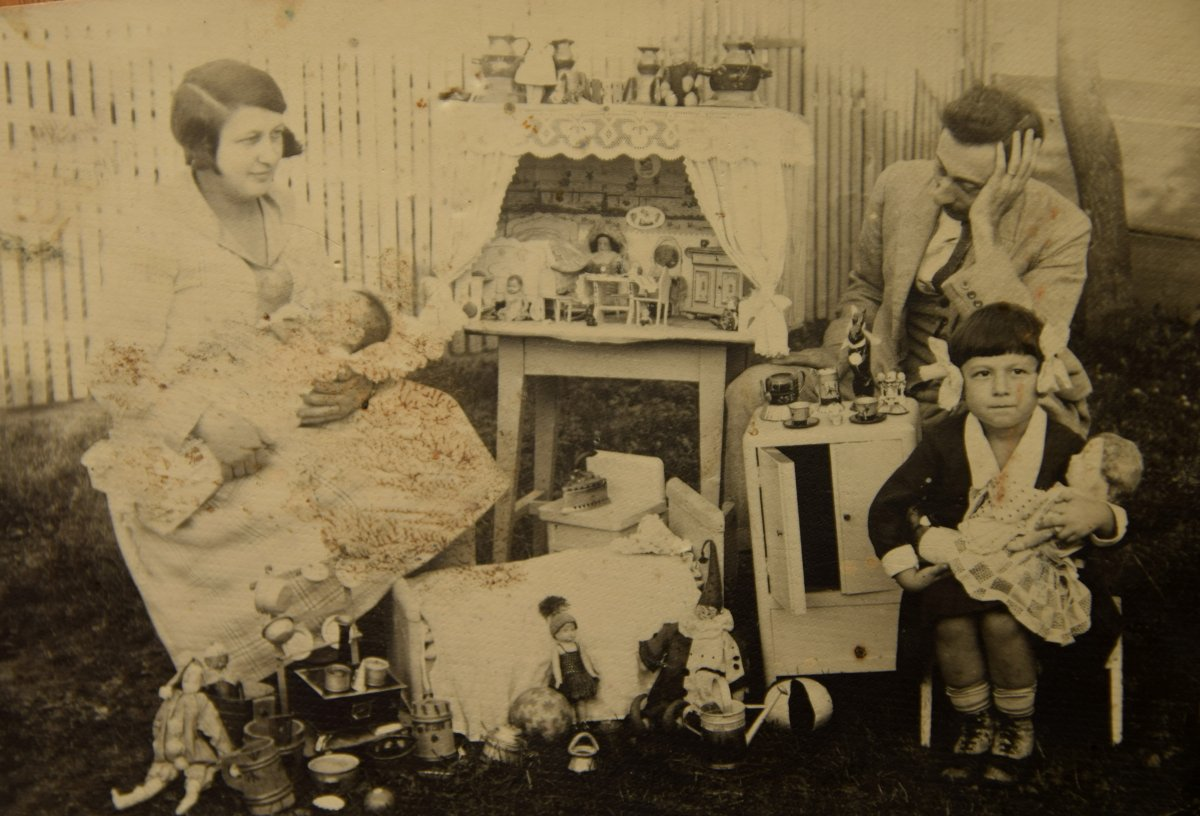 Gyermekjátékokkal, 1928 •  Fotó: Nagy Gyöngyvér személyes archívuma