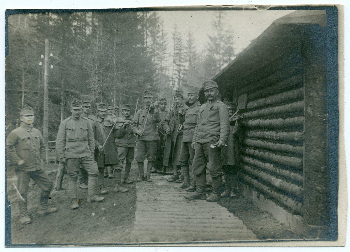 Úz-völgye, 1917, Meskó Tibor albumából •  Fotó: Molnár Attila gyűjteménye