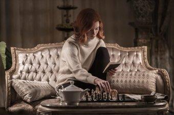 A gyönyörű lány, aki sakkmestereket eszik reggelire