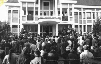 Pártkabinetből iskola – harminc éve alapították a csíkszeredai József Attilát