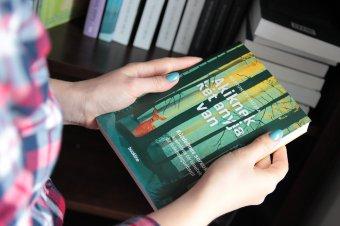 Anyák napja örökbe fogadva: hiánypótló kötet Mártonffy Zsuzsától