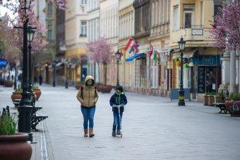 Ezer fölött jár az új fertőzöttek száma, hétfőtől szigorítások jönnek Magyarországon