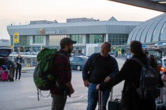 A hónap végéig nem lehet repülőgéppel Ausztriába utazni