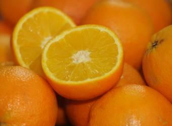 Kesztyűs kézzel kell bánni a citrusfélékkel