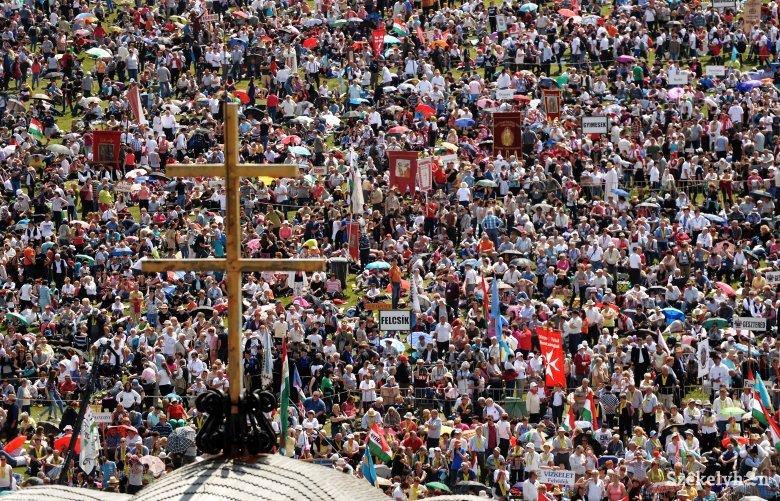 Online lehet majd regisztrálni a pápalátogatásra