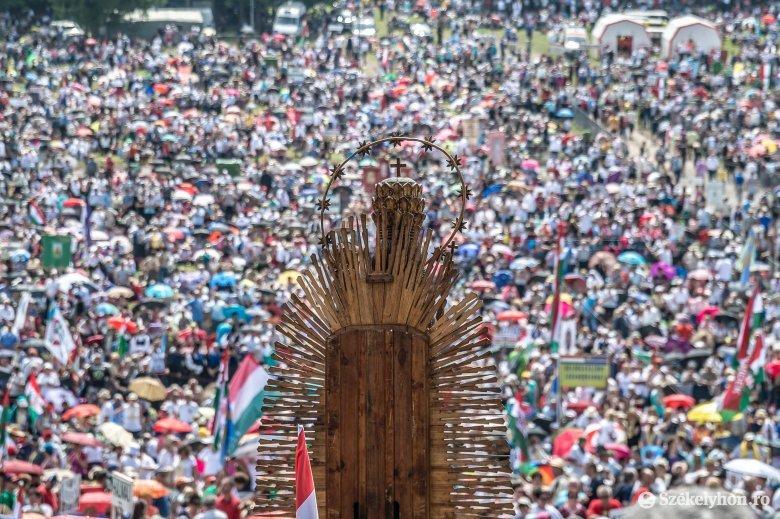 Hungarikum lett a csíksomlyói búcsú és a kegyhely