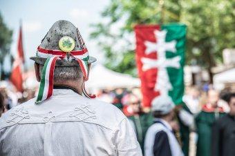 Kásler Miklós: a nemzeti összetartozás tudatát erősítették az Emmi kulturális programjai a csíksomlyói búcsú idején