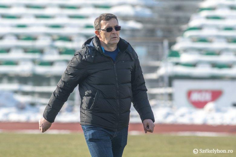 A szezonhajrá előtt váltottak edzőt a kiesőzónába került alsóházi futballklubok