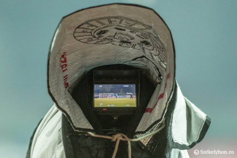 Szombaton focidömping a képernyőn