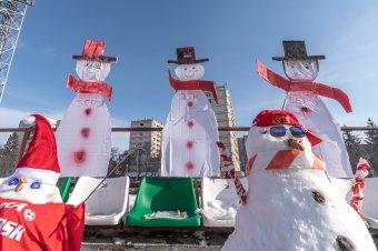 Kiszurkolták a hóemberek – képtörténet