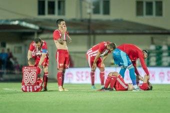 Az UEFA szerint nem hatáskörük, ezért nem foglalkoznak a magyarellenes szurkolói megnyilvánulással
