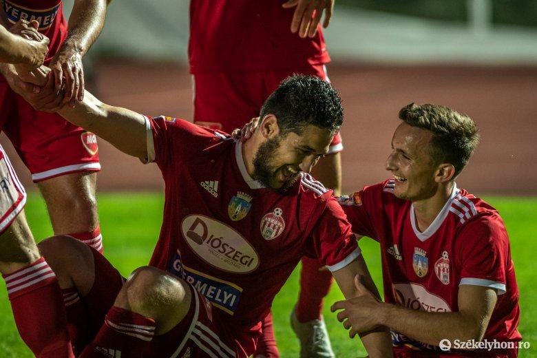 """Kupával koronáznák meg az """"elkoronázott"""" idényt: klubtörténeti finálét játszik ma a Sepsi OSK az FCSB-vel"""