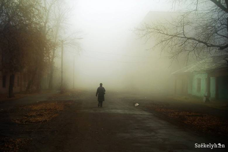 Magányban, idegenben
