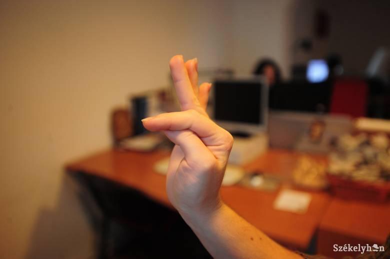Jeltolmács fogja segíteni a marosvásárhelyi hallássérültek ügyintézését a városházán