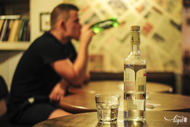 Naponta fogyaszt alkoholt az uniós állampolgárok 12 százaléka