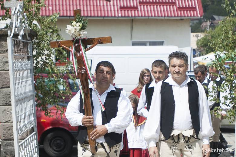 Hármas ünnepet ültek Oroszhegyen