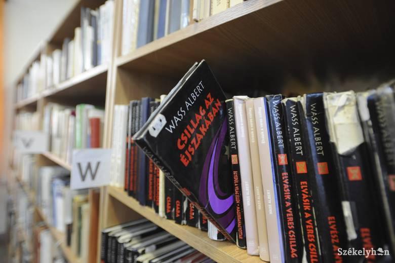 Ügyészség: Wass Albert irodalmi munkássága nem esik a háborús bűnösök kultuszát tiltó törvény hatálya alá